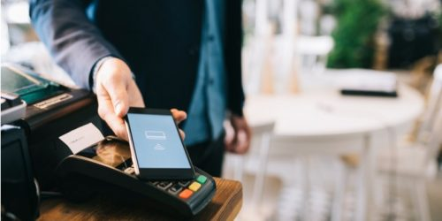 mobile_payment_picture_id814541248