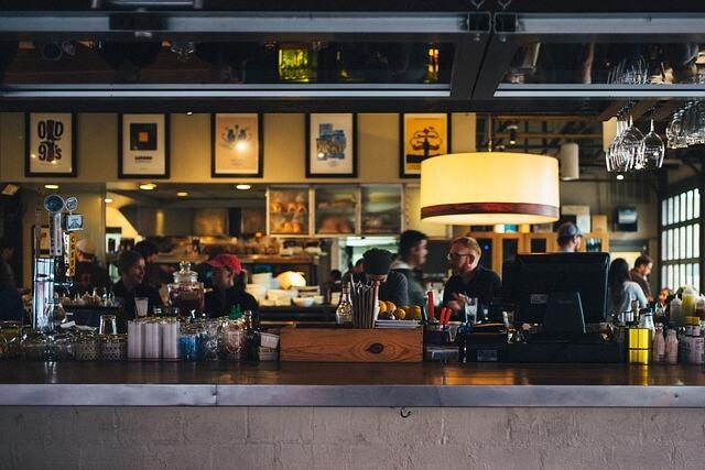 customer payment restaurant