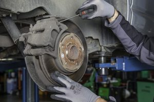 Five Tips to Manage Auto Repair Shop Financials like a Boss
